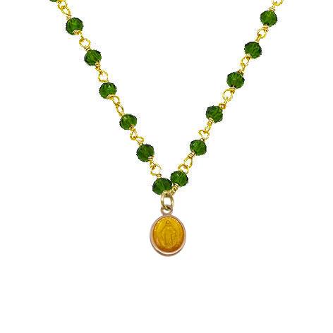 dettaglio rosario oro cristalli verdi madonnina giallo