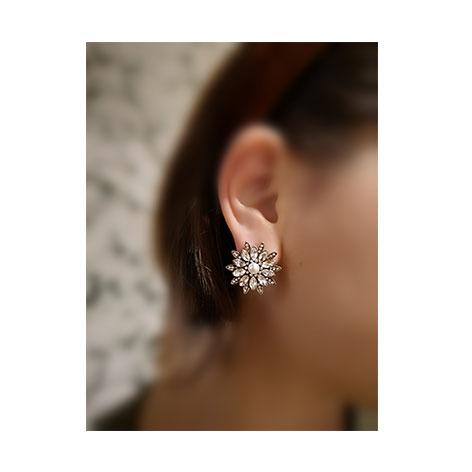 orecchini fiore cristalli bianchi e perle mias vintage
